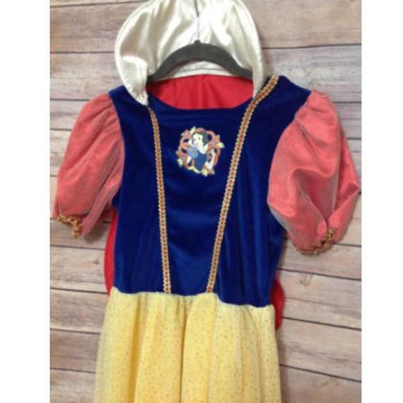 DISNEY STORE Snow White Deluxe Dress Up Cosplay